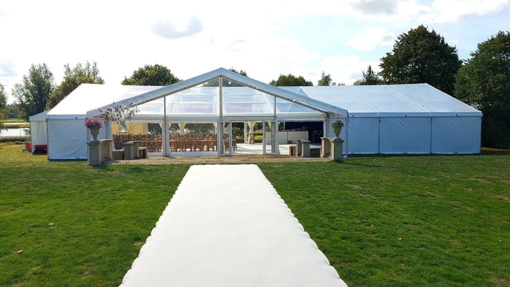 12m x 24m Marquee with4x claer roofs, 12m clear porch and cream carpet runner
